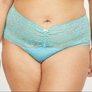 2X 18/20W Cross-Dyed Lace Wide-Side Thong Panty